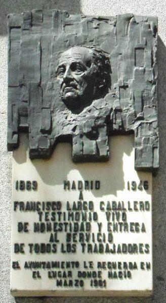 Placa colocada en 1981 en la fachada del lugar donde nació en el madrileño barrio de Chamberí.